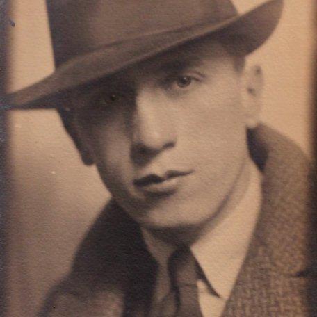 Rhys Davies as a young man: Image 17